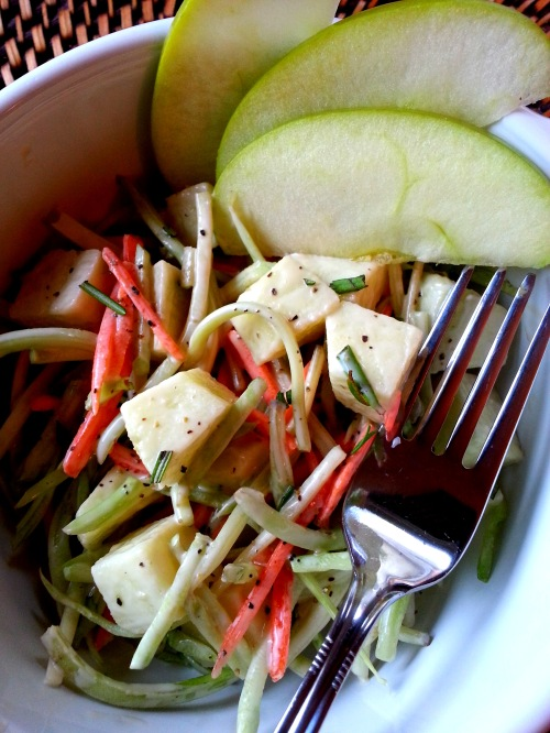 Lee's Crisp Broccoli Apple Slaw